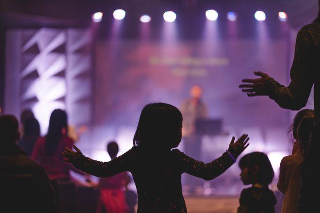 kids worship Brad Guldemond
